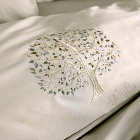 Постельное белье однотонный сатин с вышивкой Дерево